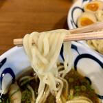 130474374 - 手もみ中太麺