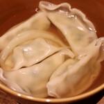 餃子とスパークリング バブルス - 水餃子