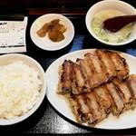 130478747 - 珉珉餃子定食
