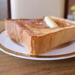 ベーリング プラント - 料理写真:朝ごはん トースト