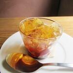 Furansuryouri yaoraryouriten - プティデセール イチゴのマリネ リンゴのゼリー