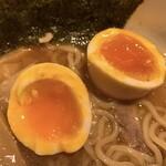 江戸前煮干中華そば きみはん - 味玉