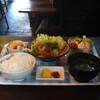 大船チャンプル - 料理写真:牛バラカルビとちんげん菜のオイスターソース炒め定食