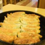 130512041 - 鉄鍋餃子(2人前)