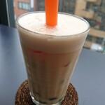 BUND CAFE - タピオカ入りアイスミルクティー
