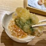 天ぷらと寿司18坪 - 天ぷら6種盛り合わせ@980円+税 鶏肉と大葉