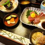 にごり沢 - 料理写真:日がわり定食800円