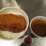 肉バル 大樹 - かつカレー弁当