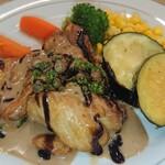 レストラン山水 - チキン(旬彩どりもも肉)のグリルゴルゴンドーラのバルサミコソース