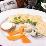 イタリアンキッチン Sa - チーズ盛り合わせ