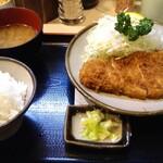丸和 - ランチのとんかつ定食