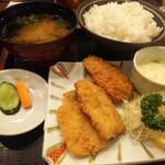 Robatajin - アジフライに ごはんとクロメ汁をつけて定食に