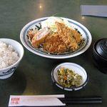 とんかつ浜勝 - 料理写真:ロースかつとオランダかつランチ