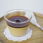 ディアンドデパートメント - 「ほうじ茶プリン」。「柳桜園」さんのかりがねほうじ茶を使用したプリンは、カラメルにもほうじ茶を使っています。