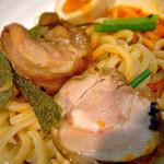 麺場ながれぼし - 大きな鶏チャーシュー@【限定】担担キノコの冷や冷や和えつけ(1000円)