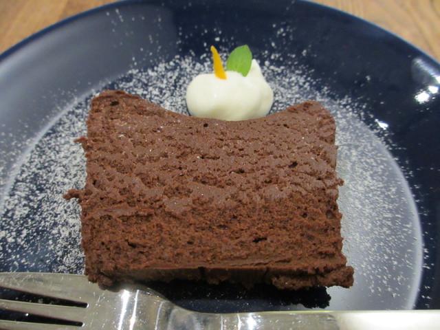 イストゥット - 生チョコケーキ
