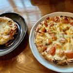 森のピザ工房 ルヴォワール - お釜ピザとトマトピザ
