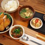 カフェ カホ - 料理写真:若鶏ムネ肉チキンカツ