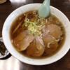Komachien - 料理写真:チャーシューメン、漬物付き、しょっぱくてうまい