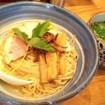 自家製麺 啜乱会 - 料理写真:梅酢と三つ葉の正油つけ麺 950円