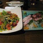五臓六腑 七八 - サラダと鶏刺身