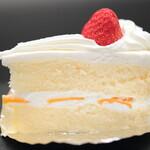 ロワール洋菓子店 - イチゴショートケーキ。