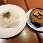 ポポラーレネオ - 茄子とぎっしり合挽肉のキーマカレー