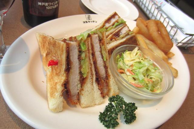 神戸洋食キッチン - ポークカツサンド¥940