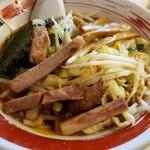 大勝軒 - つけ汁(野菜入りつけ/醤油)