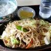 前井食堂 - 料理写真:焼きそば&ライス