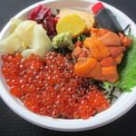 蓮池 丸万寿司 - うにイクラ丼!