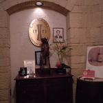 13065376 - 入り口には現店長の写真が飾ってある