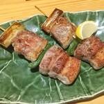 湖穂里 - エゴマ豚ネギマ串!北海道では定番の豚串だが、こんなにデカくてジューシーなのは無い!