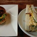 Ferdinand - 料理写真:ハンバーガーとタマゴサンドウィッチ