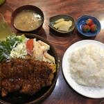弦月 - 料理写真:2020/05/26 とんかつ定食 ライス大盛 1,500円