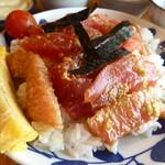 ダイニング むすたき - まぐろちらし寿司¥750