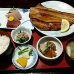 三亀 - おすすめお魚定食+ほっけ焼き