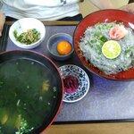 小松屋 - 朝獲れ生しらす丼1,500円