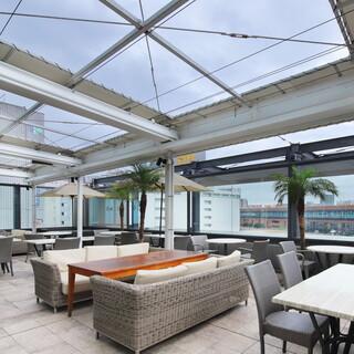 開放的な屋根付きテラスでリゾート気分を楽しんで♪