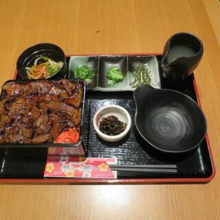沖縄料理しーさ 茶屋町店