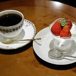 Ken's珈琲店 - ブレンドコーヒー、スペシャルショートケーキ