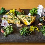 八ヶ岳小僧 - 2020.4 10種類の山菜前菜盛り合わせ