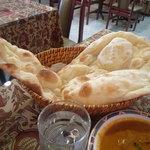 インド・ネパール料理 FULBARI - ランチのナンは食べ放題