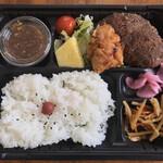 ステーキいづつや - ハンバーグ弁当(500円)