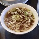 九州ラーメン うまか - セットのスープ