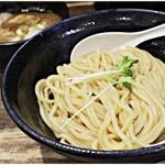 まる文 - 料理写真:得つけ麺 1000円 自家製麺ウマー