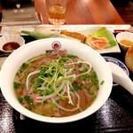 ベトナム料理店 ウィッチ フォ - フォーボーセット ¥1,050 (税込)
