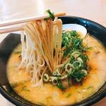 蘭蘭 - 麺リフト、九州麺です
