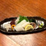 ひろしま旬彩 鶴乃や本店 - 水イカのお造りは、身とげそと炙りが供されました(o^^o)