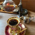 あすなろ - ドリンク写真:コーヒー、二杯分あります。 砂糖は普通のとカルシウム砂糖の二種有ります。